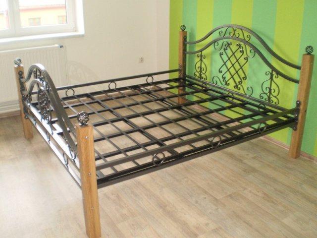 O našich postelích